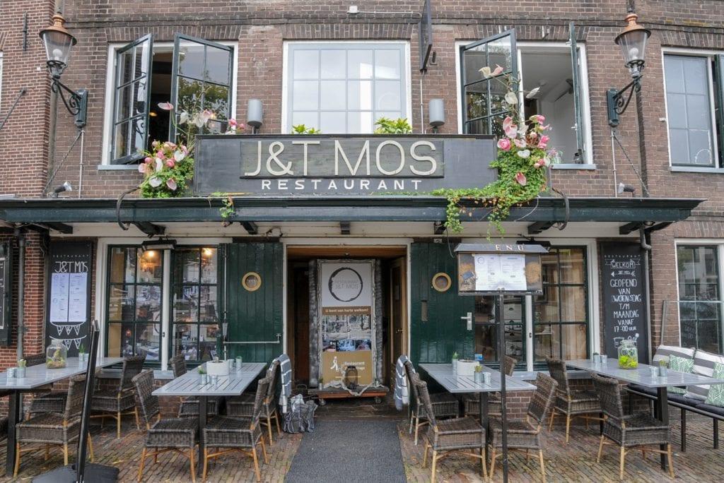 J&T Mos Voorkant foto
